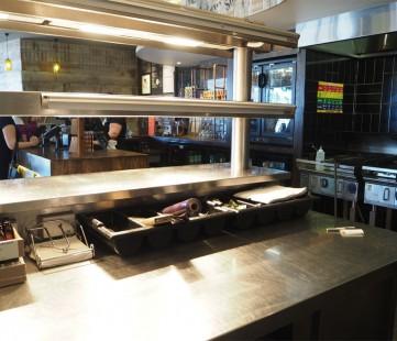Passthrough Nandos Store-
